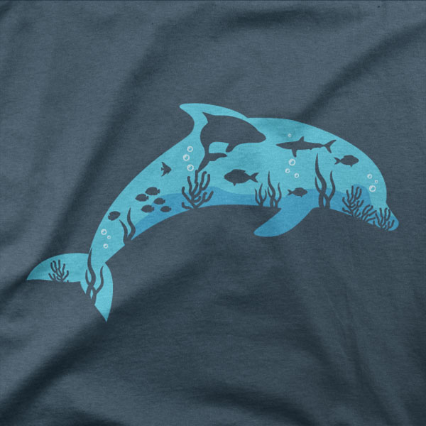 Design Delfin v morju